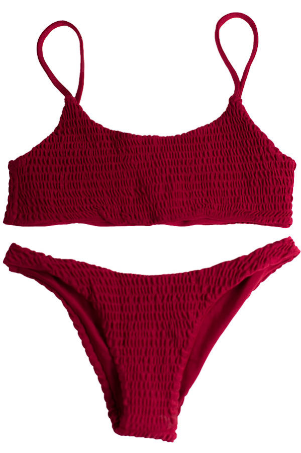Maori bordeaux bikini set is a must have while chilling poolside.